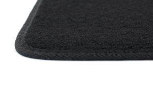 Se cerchi tappetini per la tua auto questo in feltro